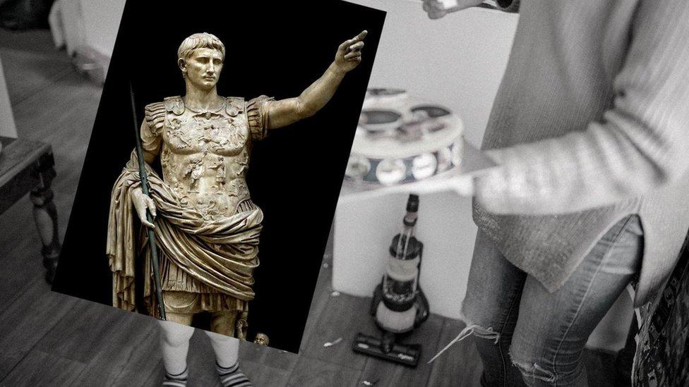 Imagen de una estatua del emperador Augusto.