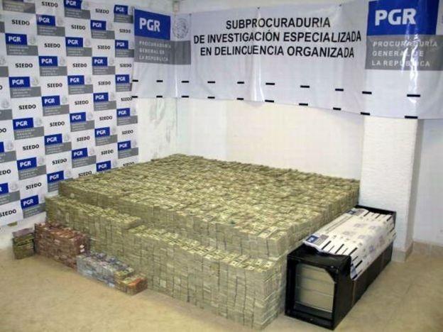 Dinero decomisado a Zhneli Ye Gon