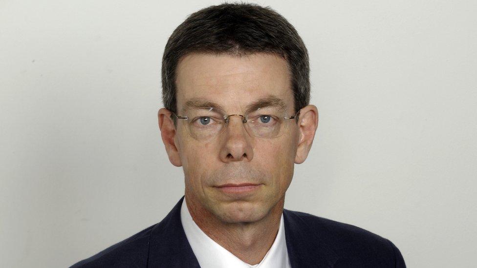 Piter Bajls je nekadašnji izveštač BBC, a danas pisac i bloger