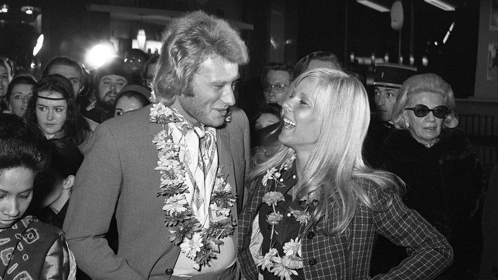 Johnny Hallyday and then his wife singer Sylvie Vartan in 1969