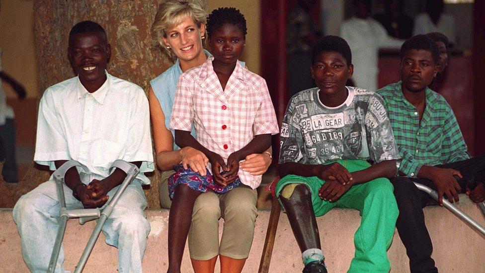 Diana en Angola