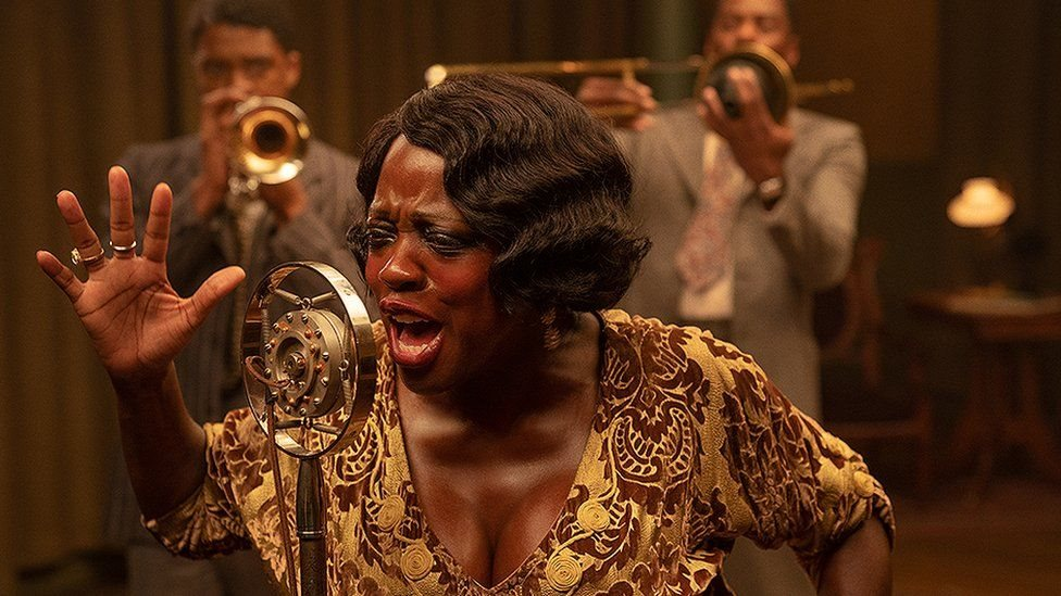 "Viola Davis en su papel como la cantante de blues Ma Rainey en ""Ma Rainey's Black Bottom""."