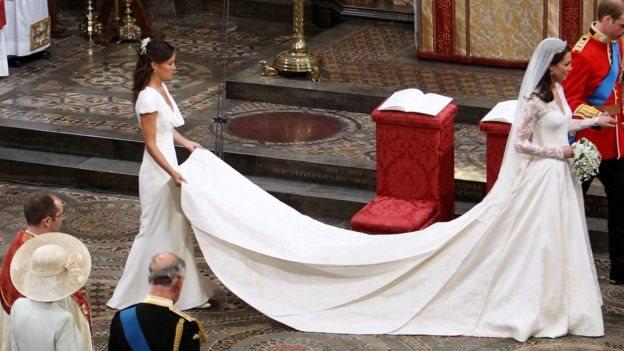 El vestido de la duquesa de Cambridge el día de su boda tuvo un impacto en la industria de la moda.