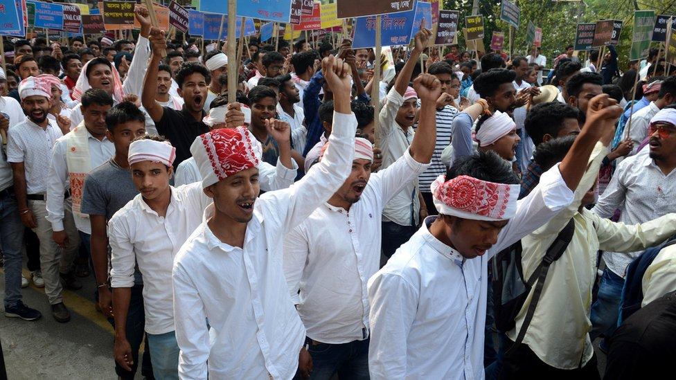 नागरिकता संशोधन बिल: असम क्यों उबल रहा है
