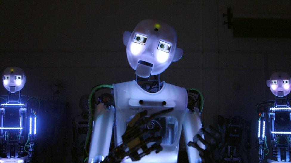 बीबीसी क्लिक: मिलिए इंसानों जैसे दिखने वाले रोबोट से