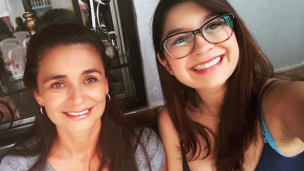 Yinérida Hernández y Manary Figueroa