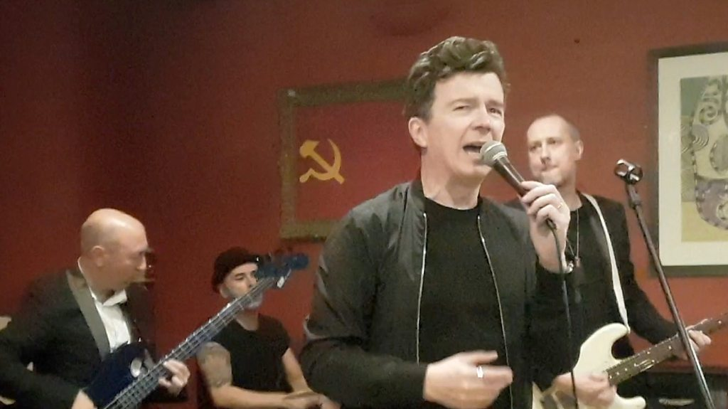 Rick Astley performs surprise Cambridge college gig
