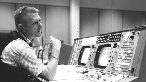 Gene Kranz en el centro de control.