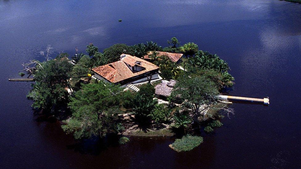 Casa del Mexicano en una isla