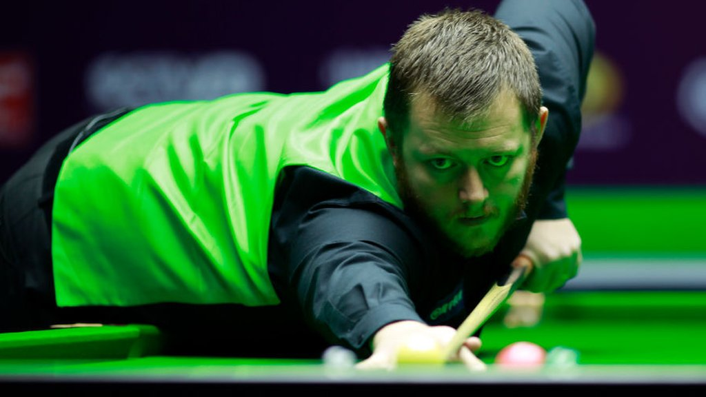 Scottish Open: Mark Allen beats Graeme Dott 4-2 to progress to quarter finals