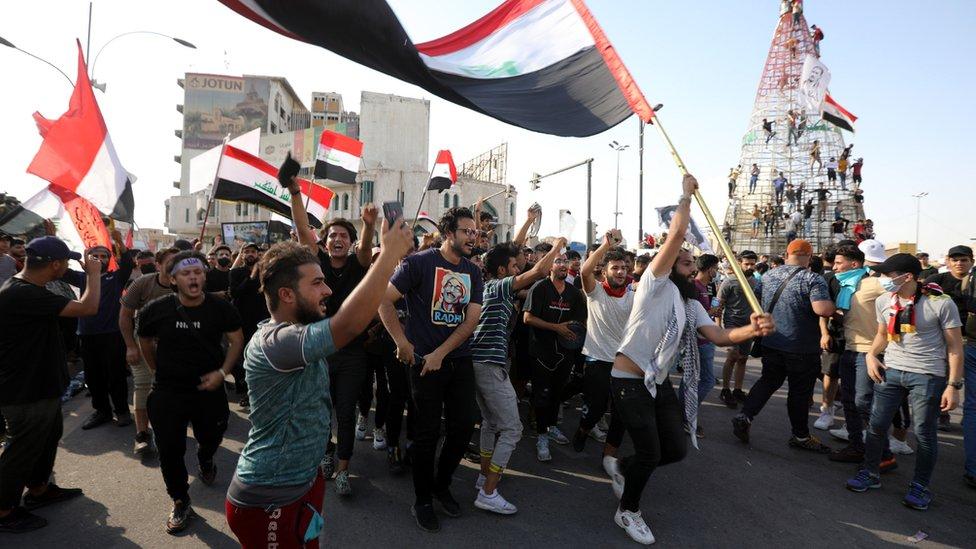 المتظاهرون المناهضون للحكومة يطالبون بالعدالة لمئات الأشخاص الذين قتلوا منذ عام 2019