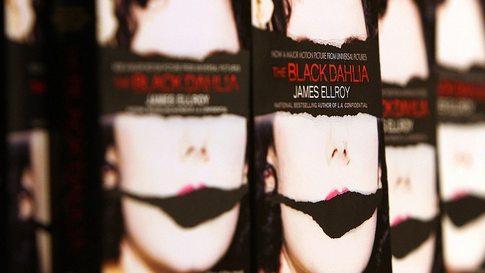 'The black Dahlia' by US novelist James Ellroy is displayed during a bookstore appearance by the author, 12 September 2006 in Santa Monica, near Los Angeles