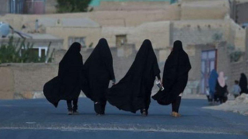 تواجه النساء في أفغانستان مستقبلا مجهولا