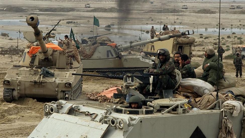 Tropas sauditas y estadounidenses en Kuwait.