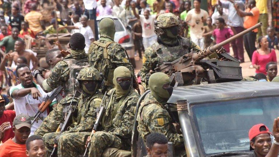 عسكريون في شوارع العاصمة غينيا