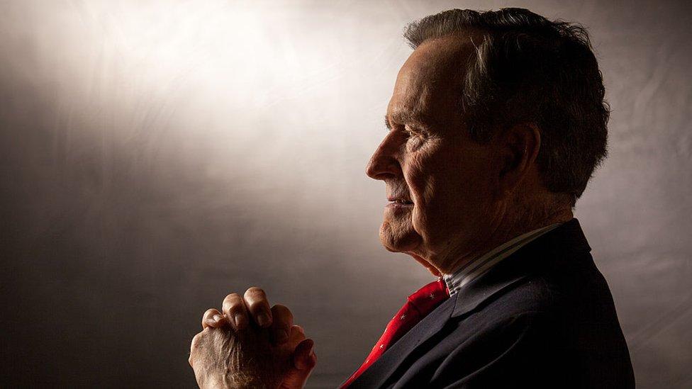 retrato de George H. W. Bush, 2011