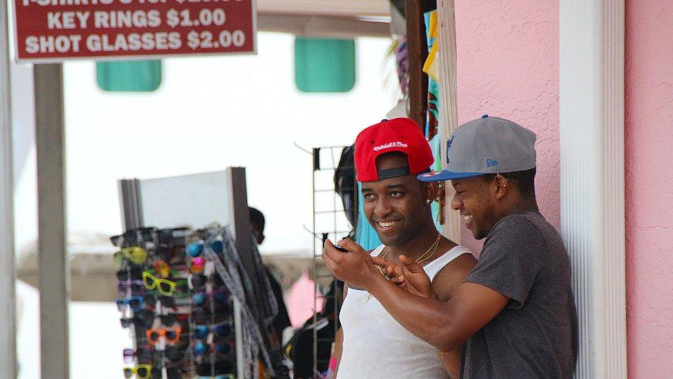 Jóvenes en Bahamas