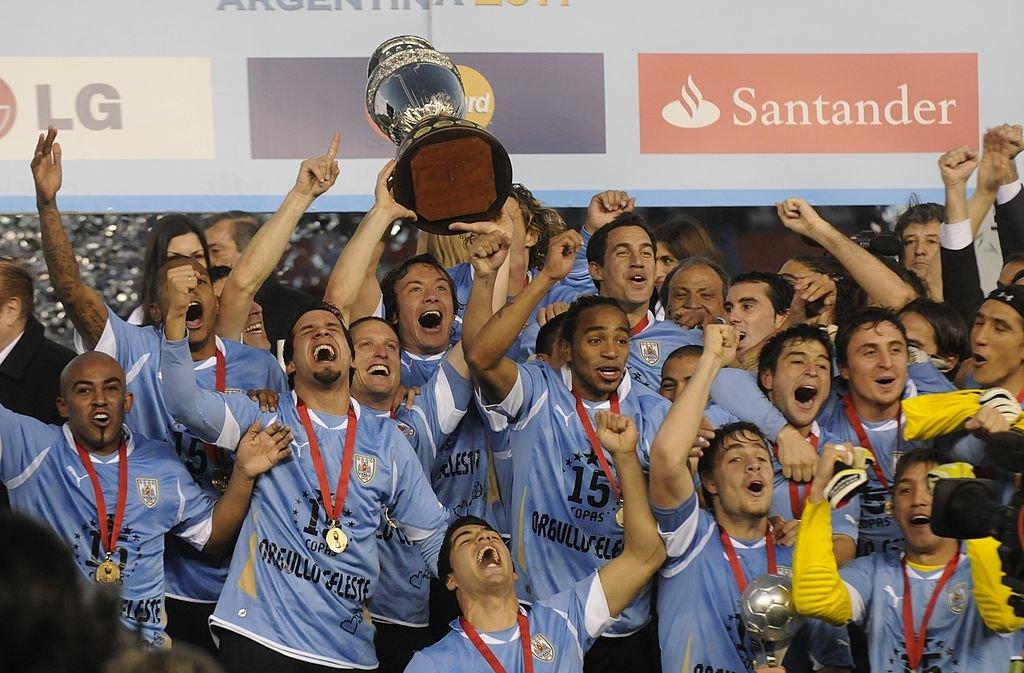 Uruguay celebra el título de la Copa América de Argentina 2011.