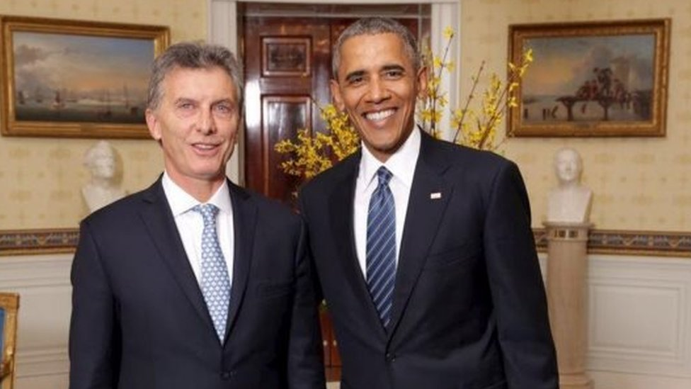 US President Barack Obama (R) and his Argentine counterpart Mauricio Macri at the White House (31 March 2016)