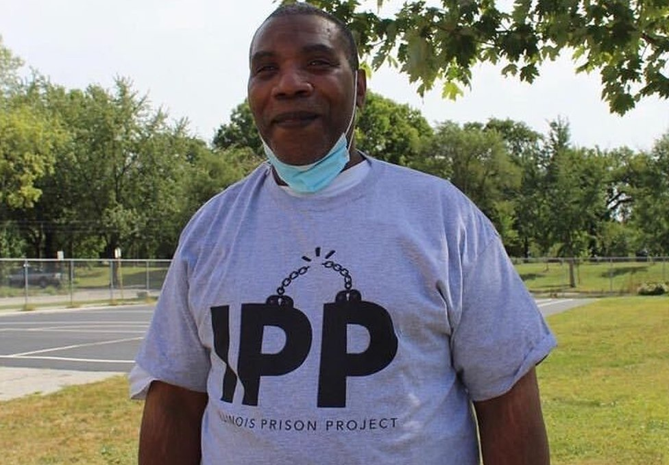 Renaldo Hudson in an Illinois Prison Project t-shirt