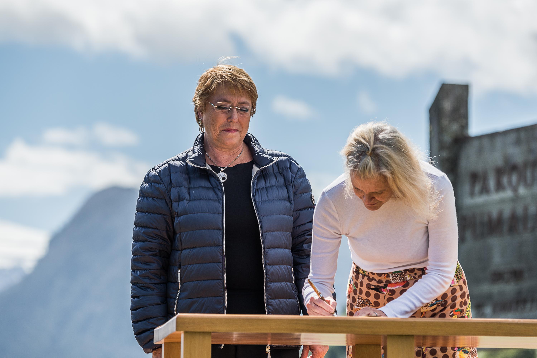 Chilean President Michelle Bachelet and Kristine McDivitt Tompkins