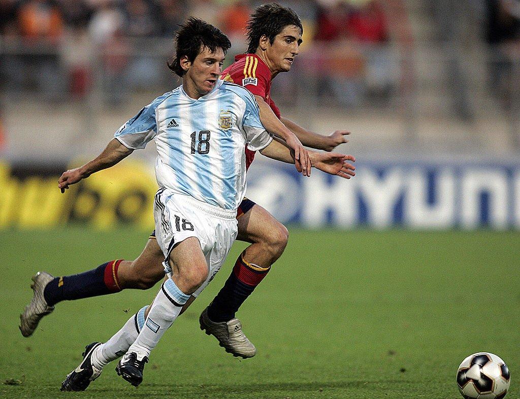 Lionel Messi en un partido contra España.