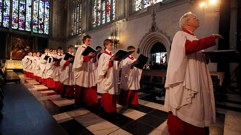 Stephen Cleobury with the choir in 2010
