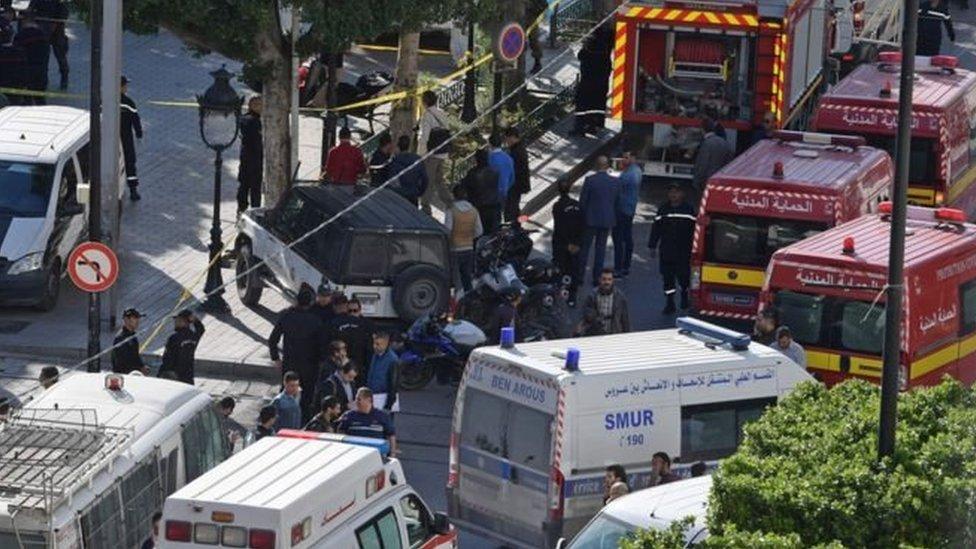 У столиці Тунісу підірвалася смертниця