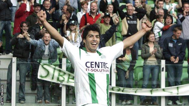 Suárez es uno de los principales delanteros de la selección uruguaya.