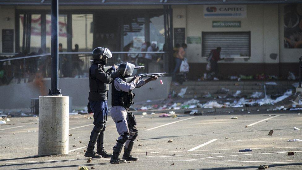 Policija i neredi