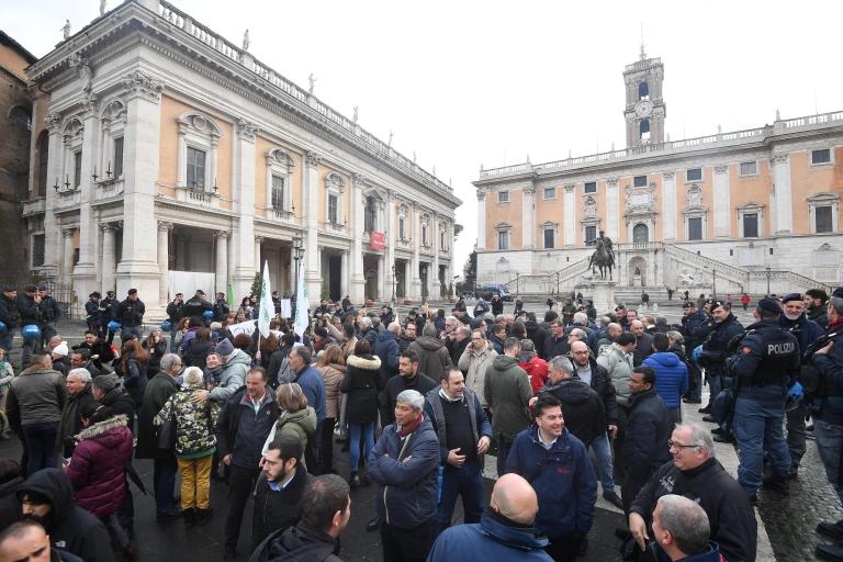 Roma'da turistik otobüs işgal eylemi