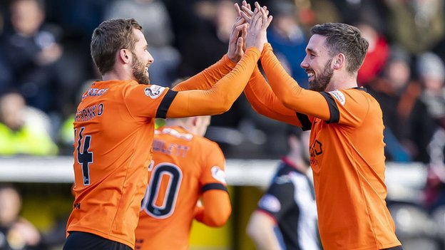 St Mirren 1-2 Dundee United: 10-man visitors hang on to beat top-flight hosts