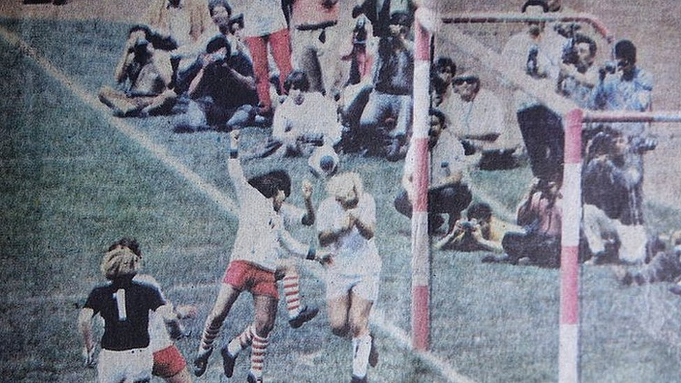 The pink hooped goalposts can be seen in this cutting showing Mexico v England, 1971 Women's World Cup