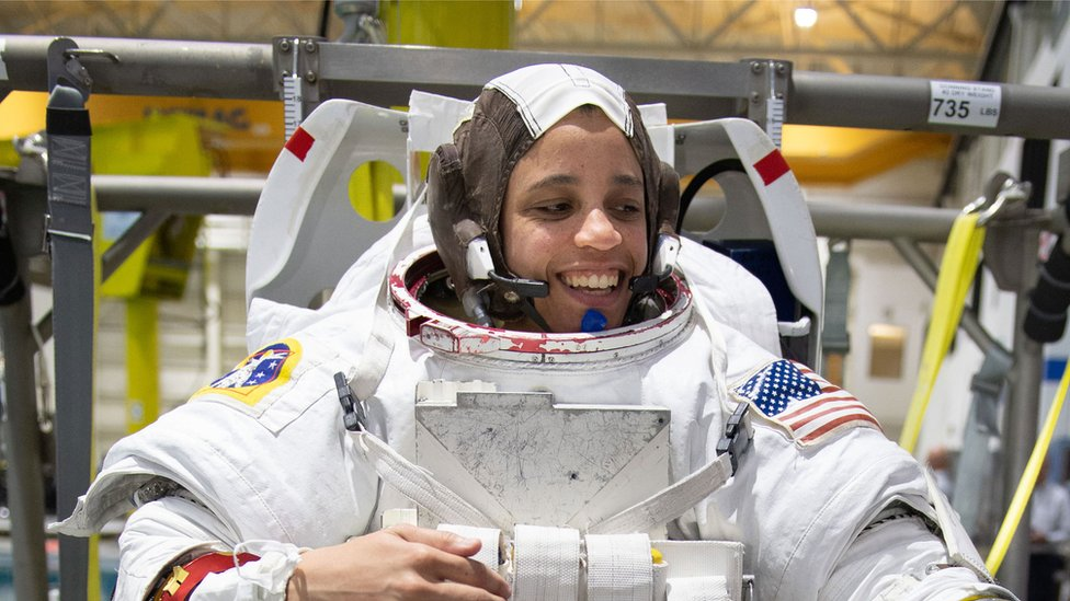 Nasa names 18 astronauts for new moon missions