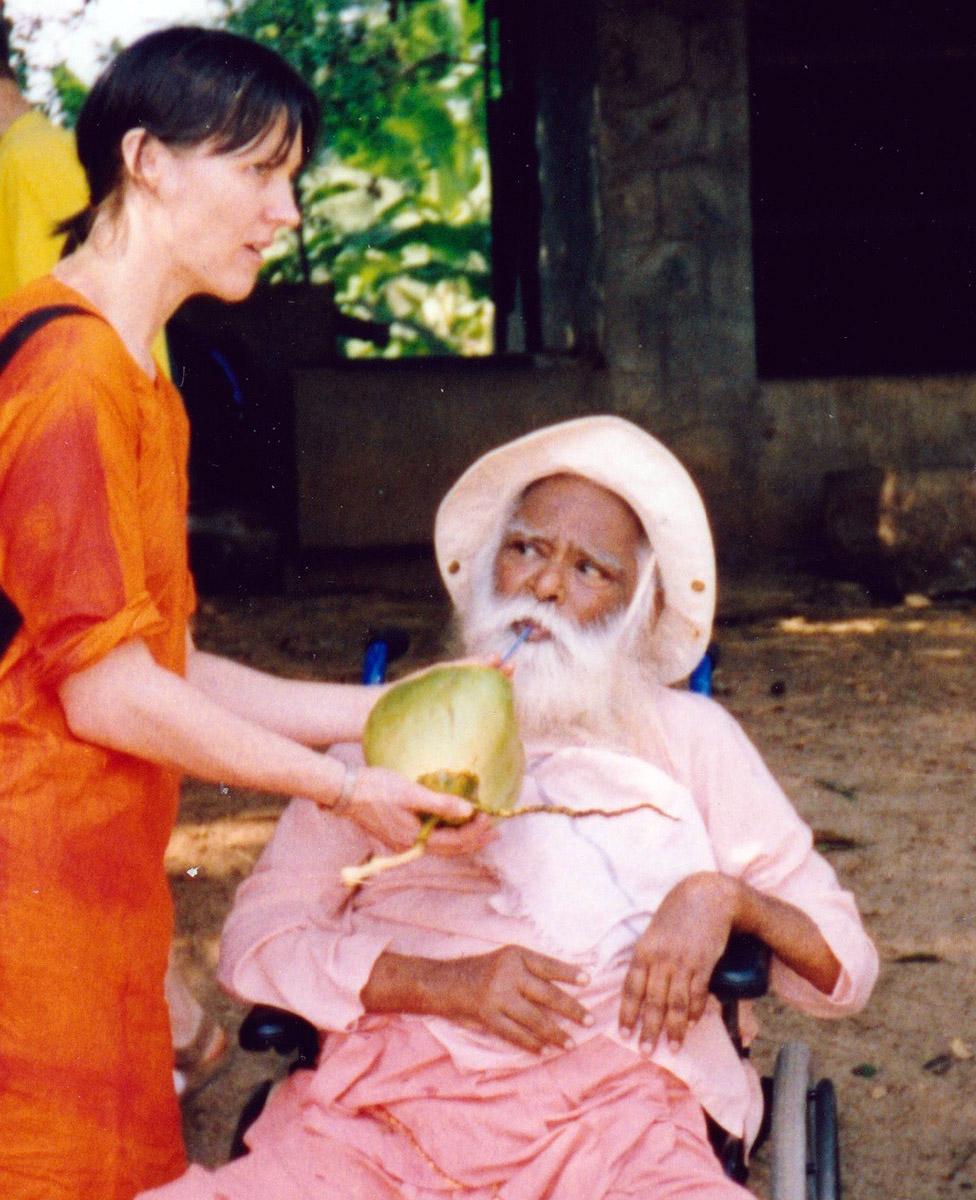 Julie Salter with Vishnudevananda