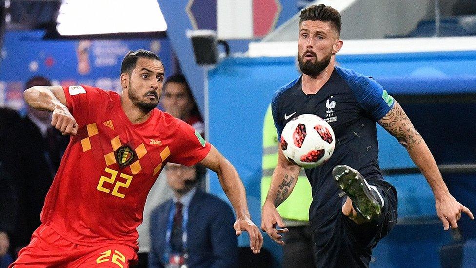 Giroud contra un belga