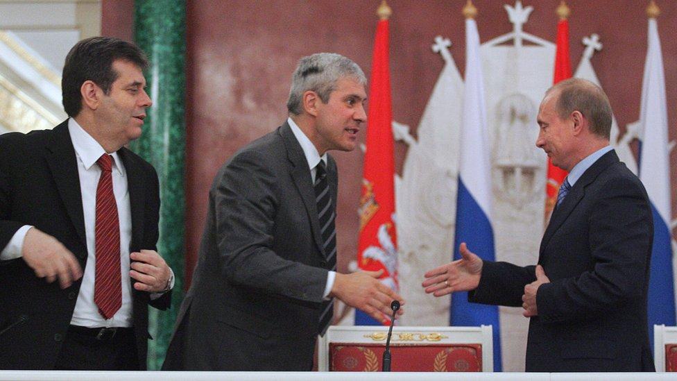 Koštunica, Tadić i Putin u Moskvi pre potpisivanja ugovora o prodaji Naftne industrije Srbije