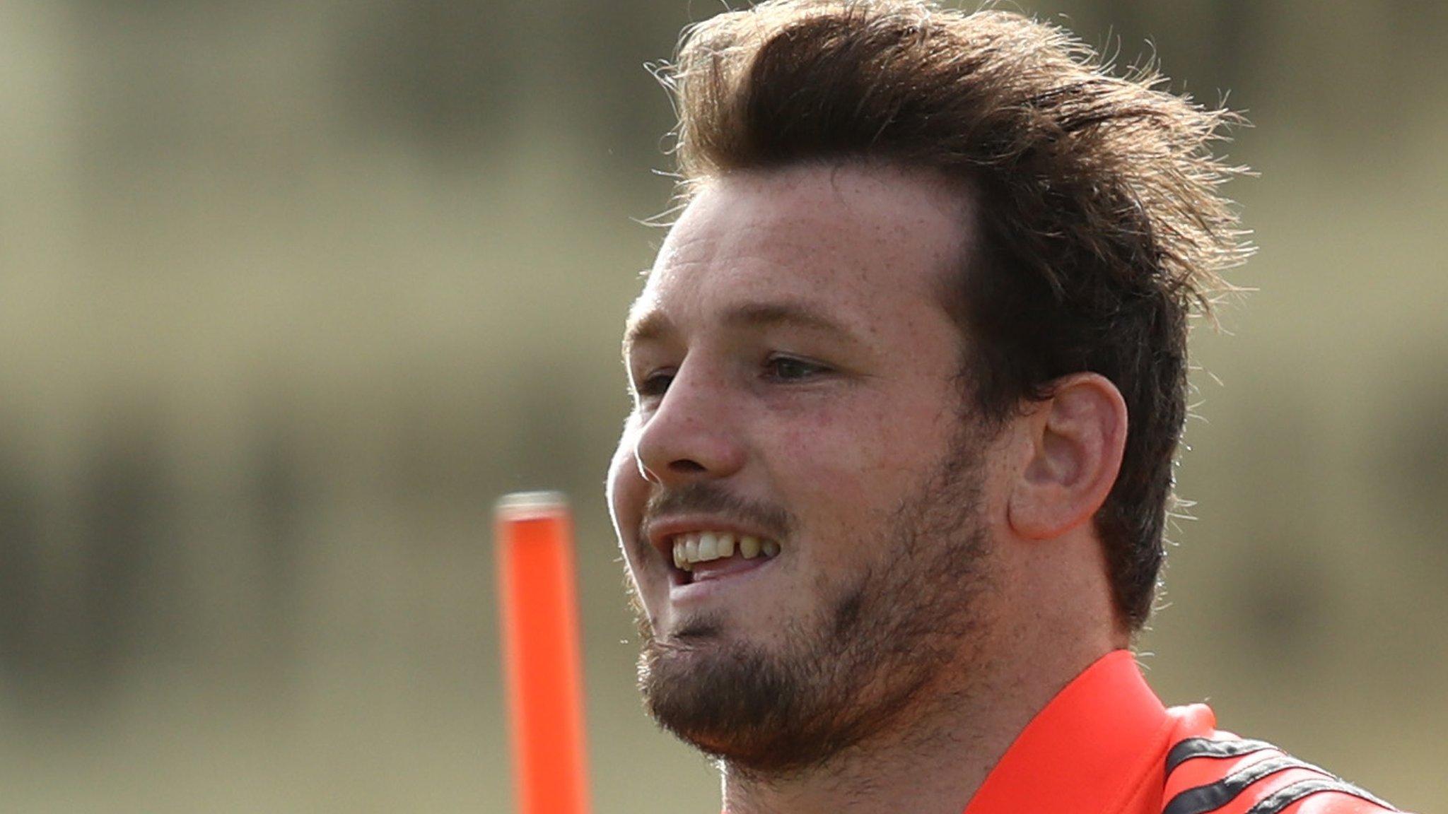 Matt Moulds: Hooker to join Worcester next season from New Zealand side Blues