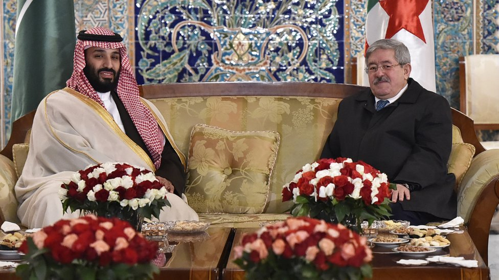 كتاب يرون أن زيارة ولي العهد للجزائر توطيد للعلاقات المتميزة بين البلدين
