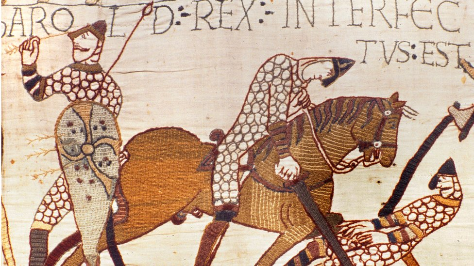 King Harold (left) killed by an arrow at Hastings, as shown in the Bayeux Tapestry.