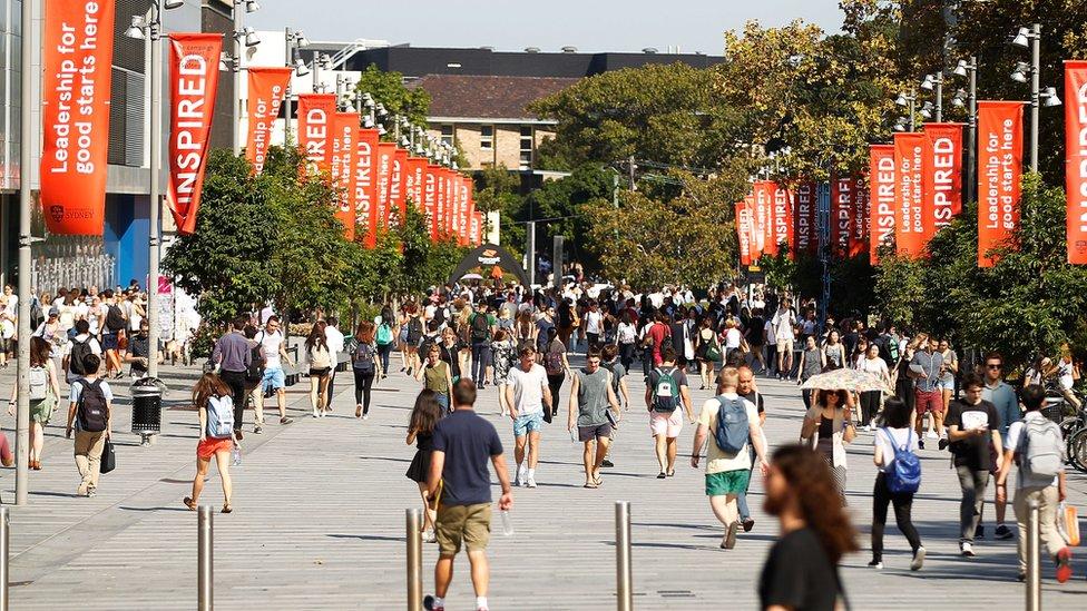Mahasiswa di kampus Australia