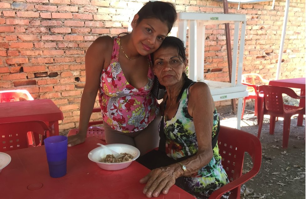 Verónica Mendoza and her mother Mariluz