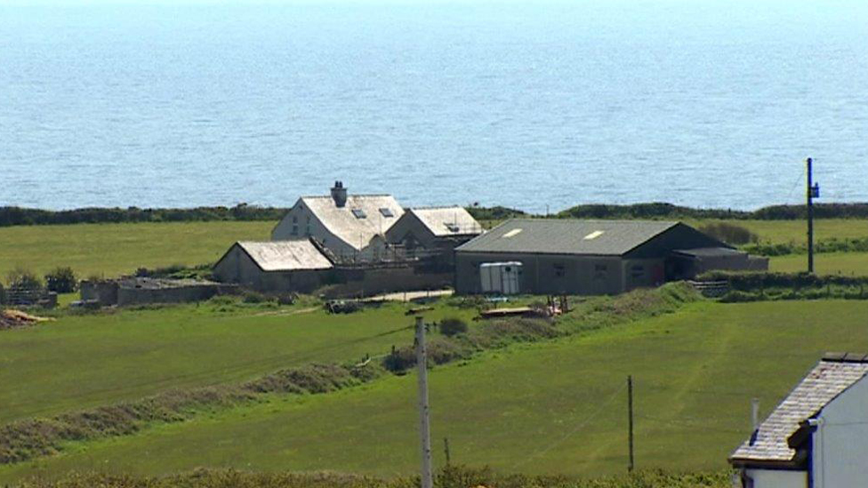 La vista de la cosa de Gales cerca de la casa de Gerald Corrigan.