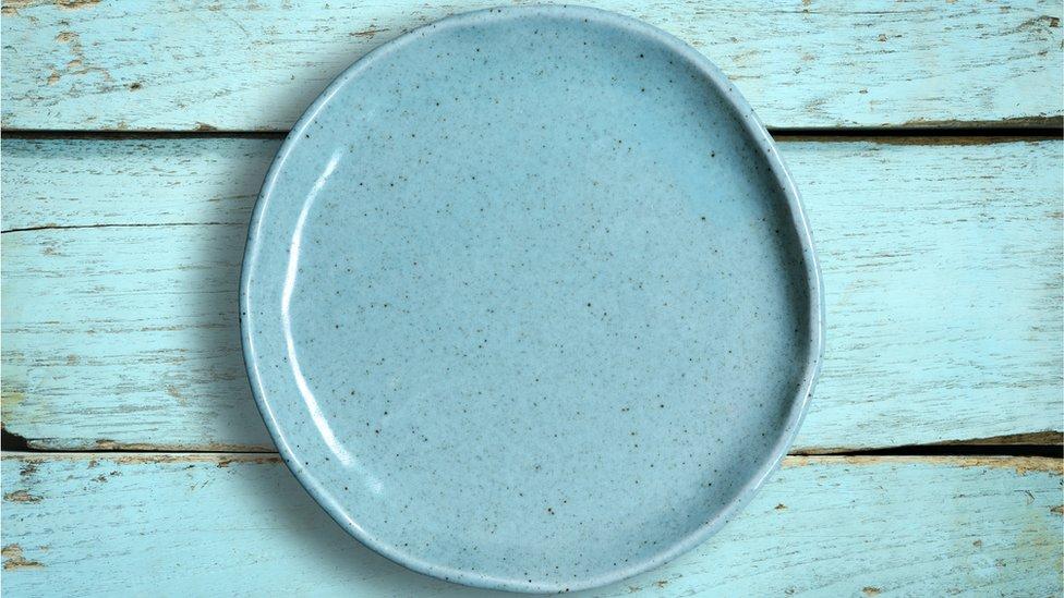 Plato de cerámica.