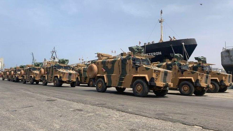 صورة نشرها موقع تابع لحكومة الوفاق الوطني يظهر إمدادات عسكرية جديدة