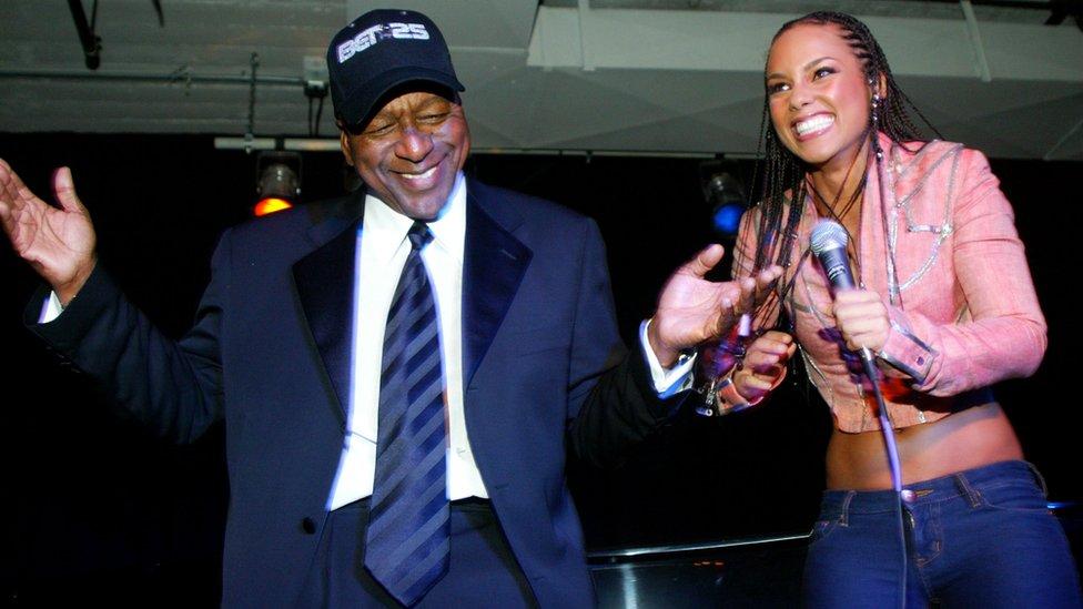 El empresario celebró su despedida de BET con artistas como Alicia Keys.