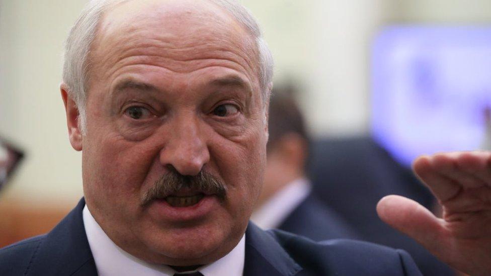 Дайджест: почему нервничает Александр Лукашенко и кормить ли детей грудью, если у вас ковид