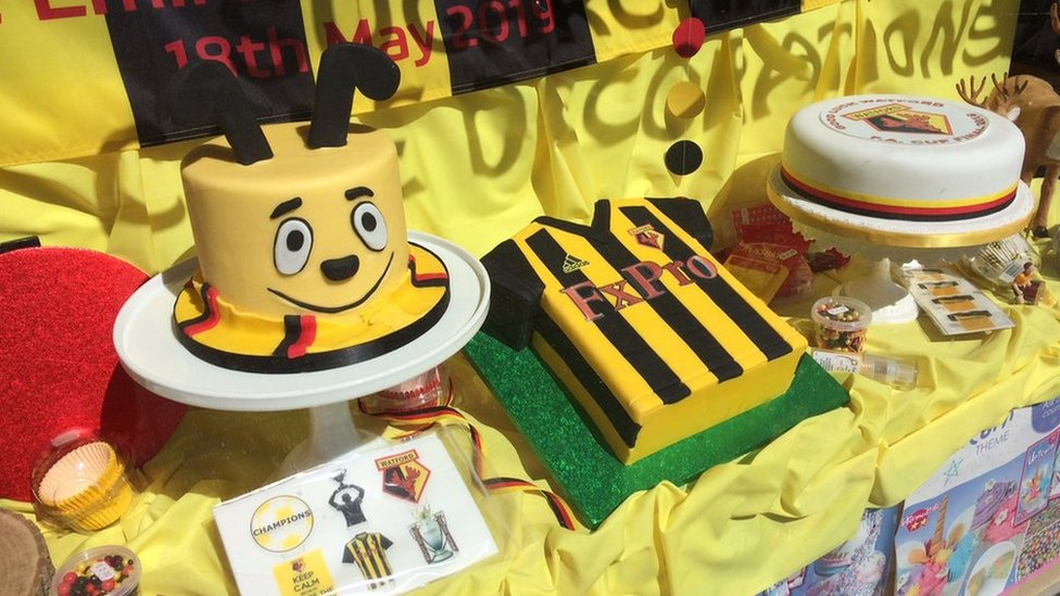 Watford fans bid to recreate 1984 'buzz' for FA Cup Final