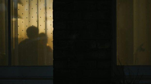 Sombras en la ventana.
