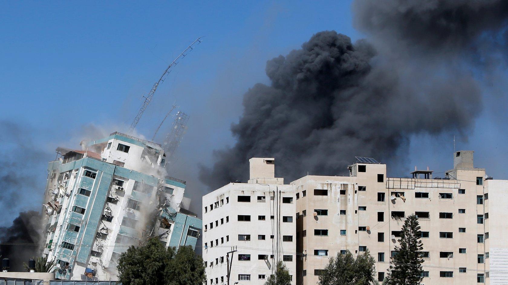 Израиль разрушил башню в Газе, в которой размещались бюро иностранных СМИ